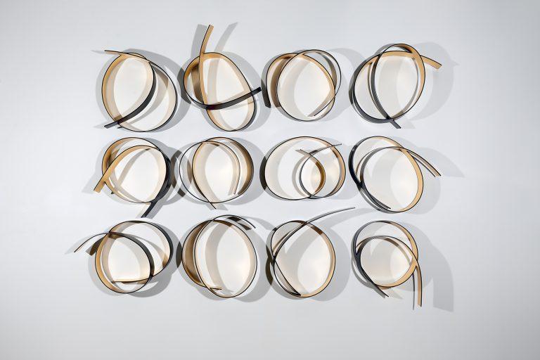 Full Circle: Black/Gold No. 3 (12 pieces)